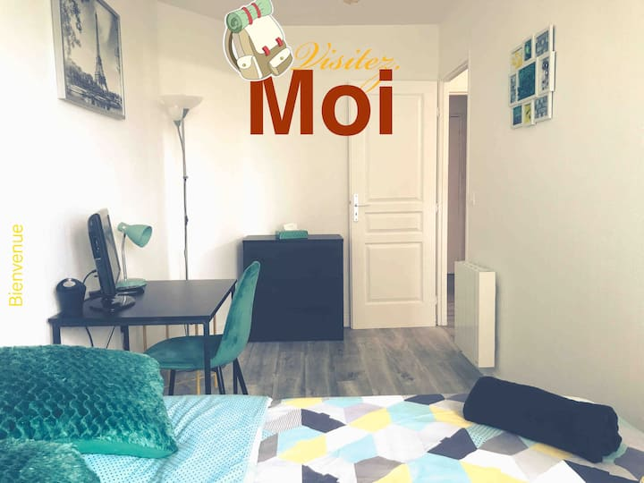 Chambre GREEN  BUREAU + WIFI 35' de PARIS