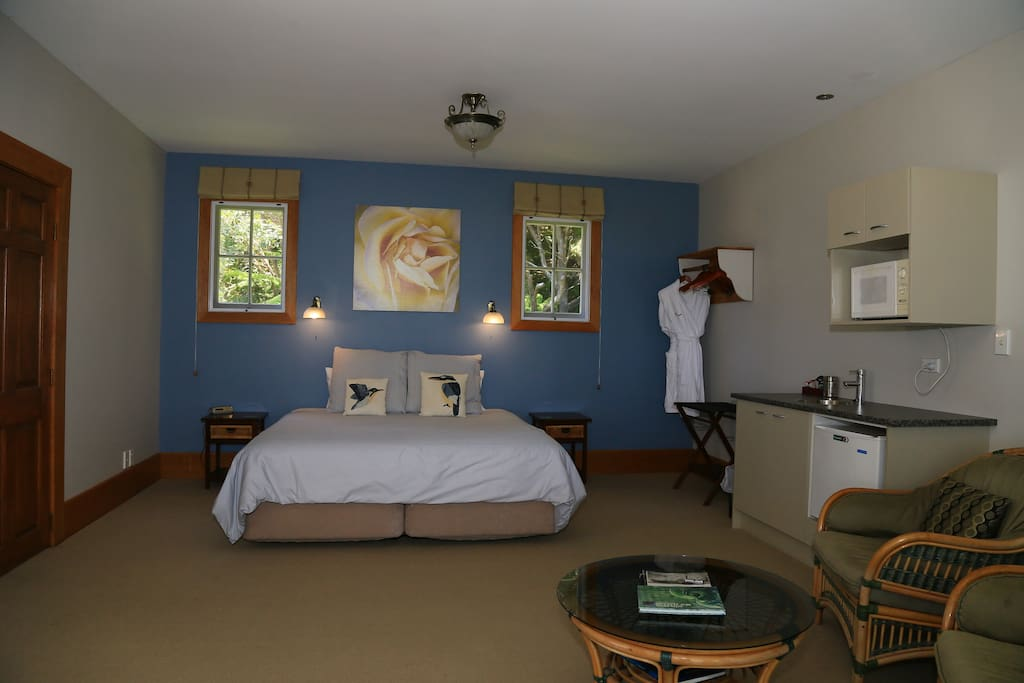 Kingfisher suite in the guest cottage
