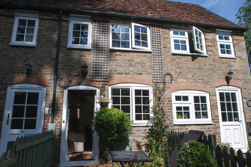 no 5 lychgate cottage