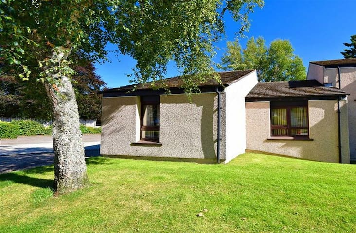 Coppice Cottage - a home from home - Grantown-on-Spey