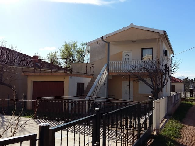 House in a quiet surrounding near National park - Seline - Casa