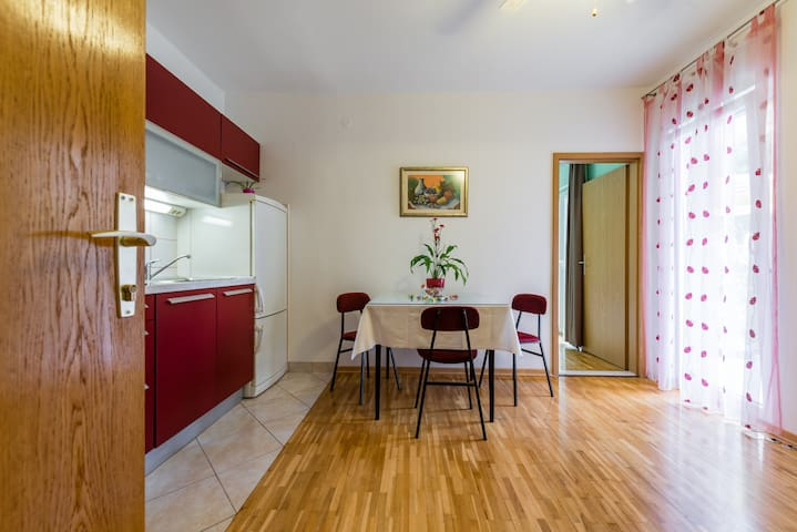 Lovely two bedroom apartment near the beach - Split - Appartement