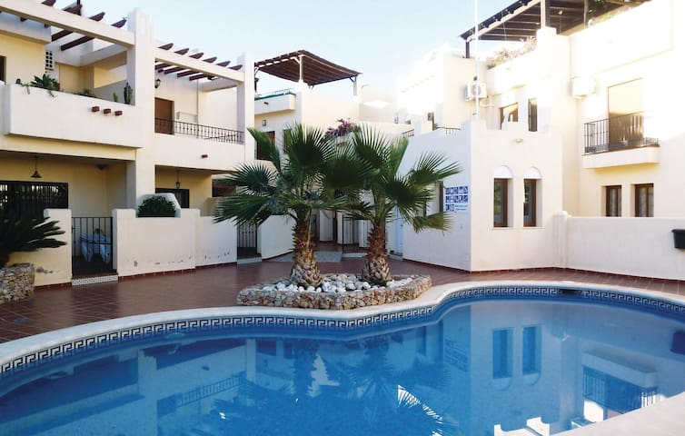Terraced house with 2 bedrooms on 96m² in Nerja