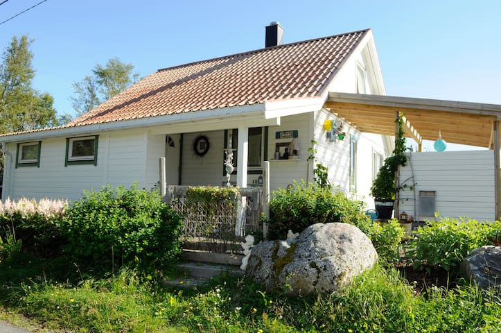 Nice and cozy house in Kabelvåg. - Kabelvåg