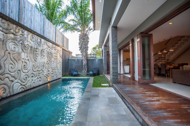 only 10 minutes from seminyak