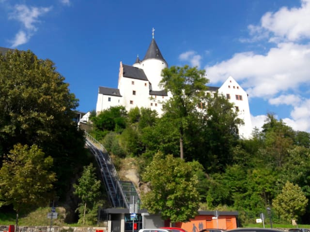 Wunderschönes Gästezimmer + Schloss - Schwarzenberg/Erzgebirge - Byt