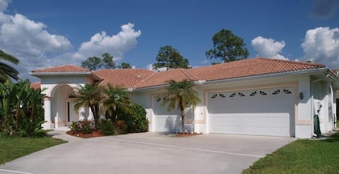 charming Florida Pool home in a good location