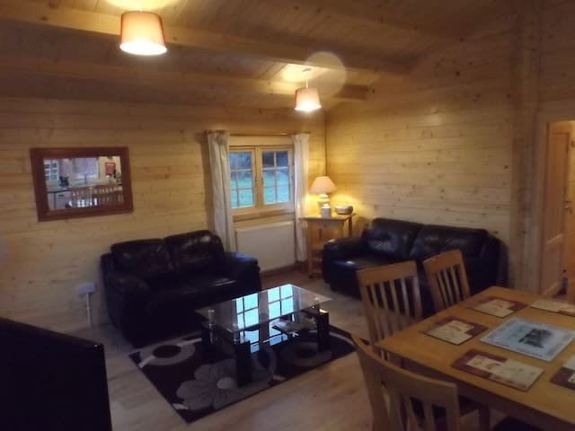Oak Lodge at Avonvale Holiday Lodges - Evesham - Ferienunterkunft