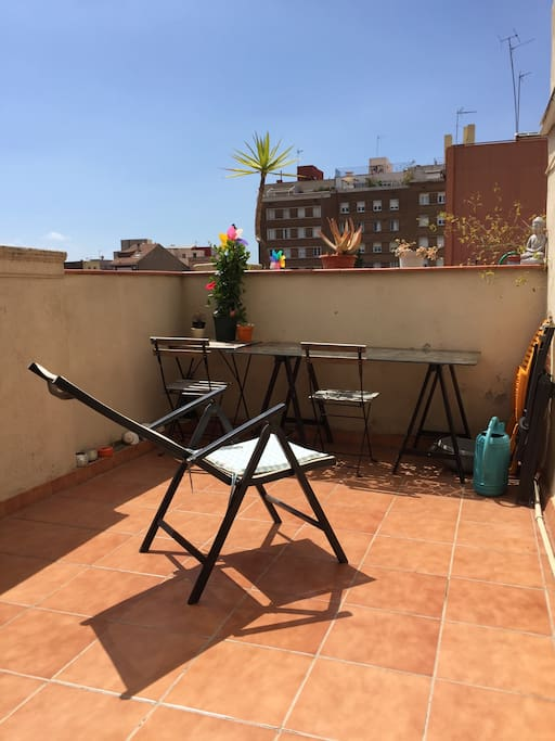 You can enjoy Tanning chairs and bed at the terrace .Apartment get sun all day long