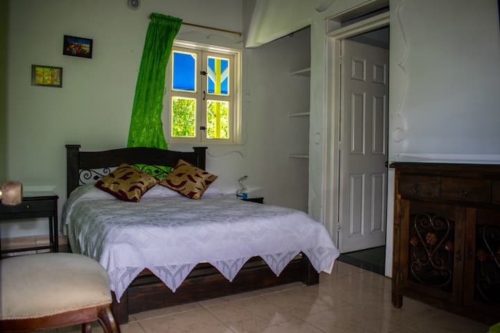 Preciosa habitación doble en Azulinas