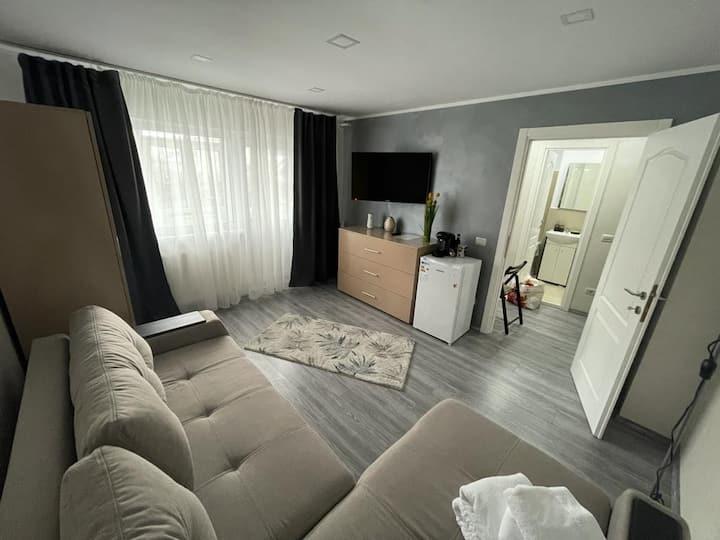 Hiram Building 1 Bedroom Flat