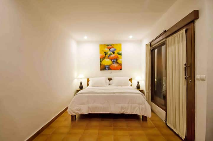 Puri Ceraki 2 - Private Room Close To The Beach