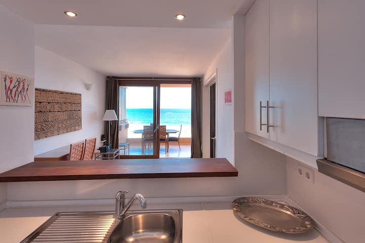 Two bed apartment with fabulous sea views