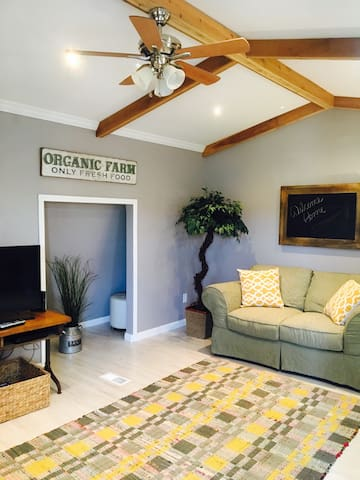 Farmers Cottage, cozy and clean! - Cleveland - Apartment