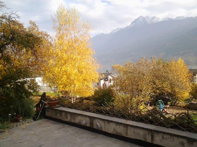 Rustico alle porte di Aosta - Sarre - Hus