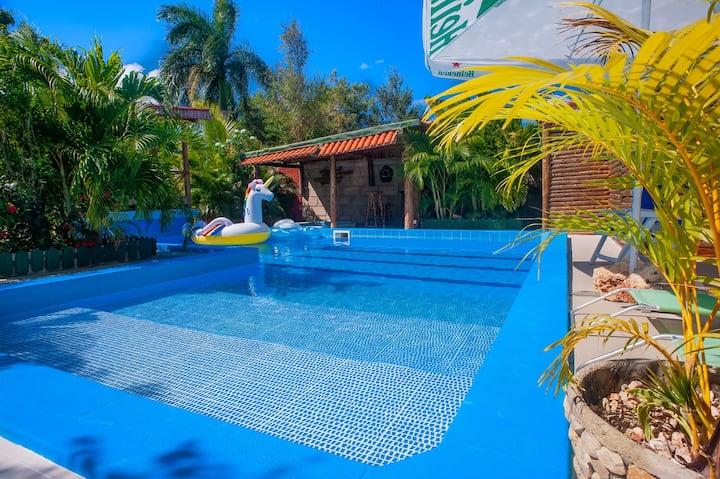Upscale 5 star Master Studio w/ Pool&Fishing Lake