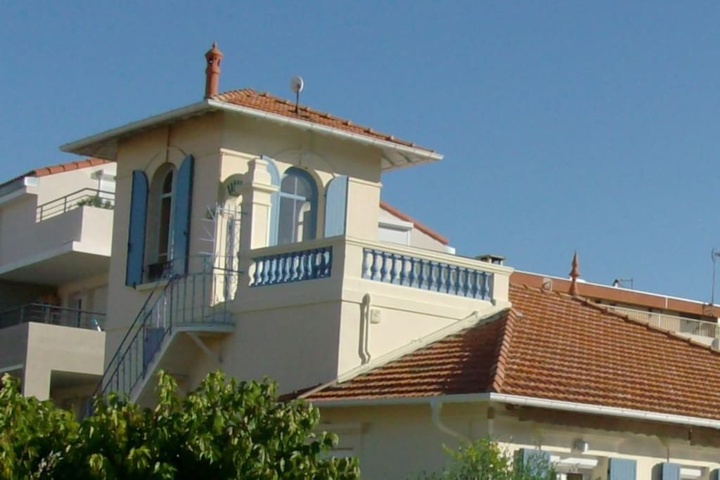 Pigeonnier atypique dans villa flats for rent in saint for Villa atypique