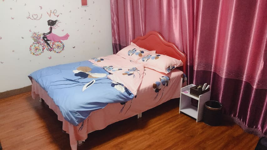 葫芦岛步行街大床房