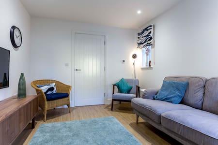 3BR Modern Home near Addenbrooke's *NHS discount*