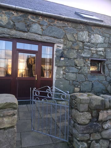 Disabled access self catering house near beach