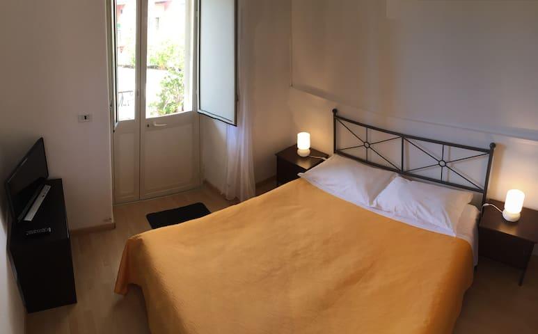 """Prima"" Room | Catania, Etna, Taormina"