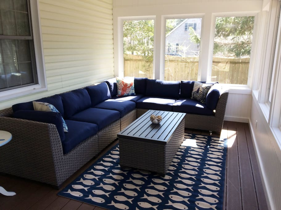 New Screened in porch seating area