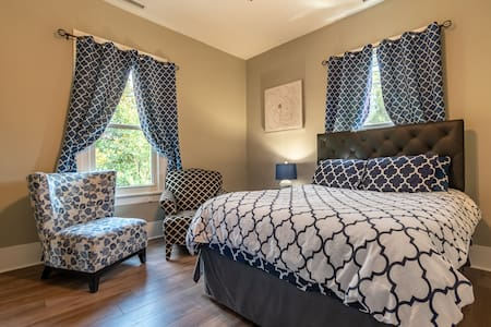 Luxury Unit in Central Mooresville Sleeps 8 Apt. A