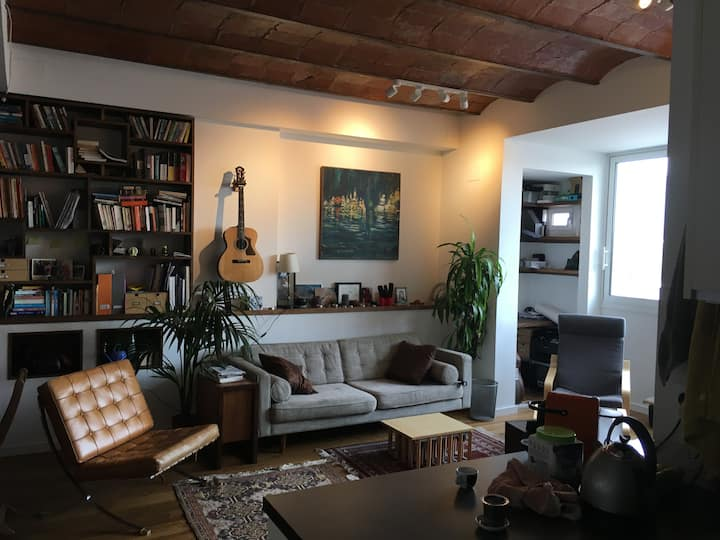 Modern two bed flat in Poble Nou