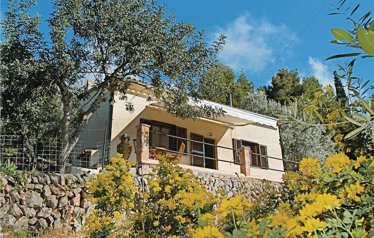 Holiday cottage with 1 room on 33m² in Deià