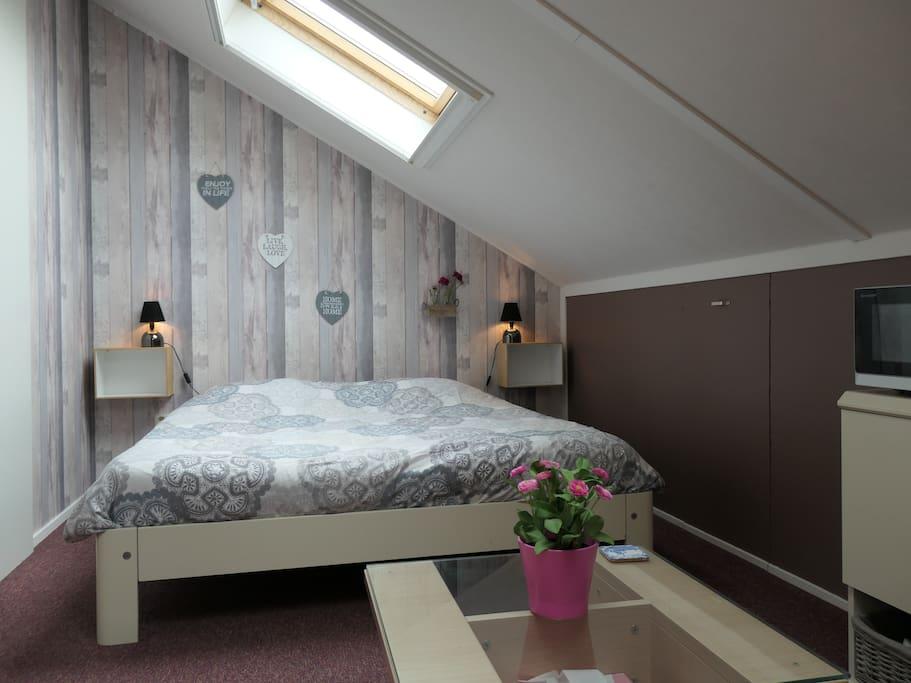 A kingsize bed