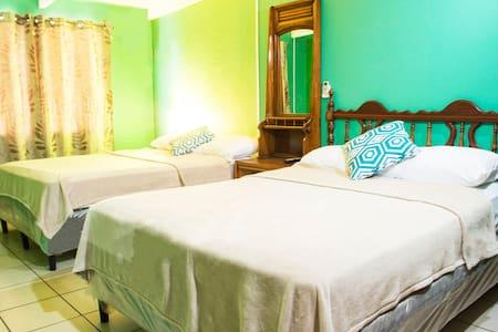 Casa Lucia B&B - Managua - Bed & Breakfast