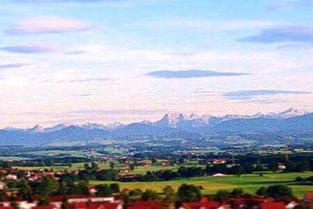 Landhaus in Alleinlage mit Alpenblick - Dietmannsried