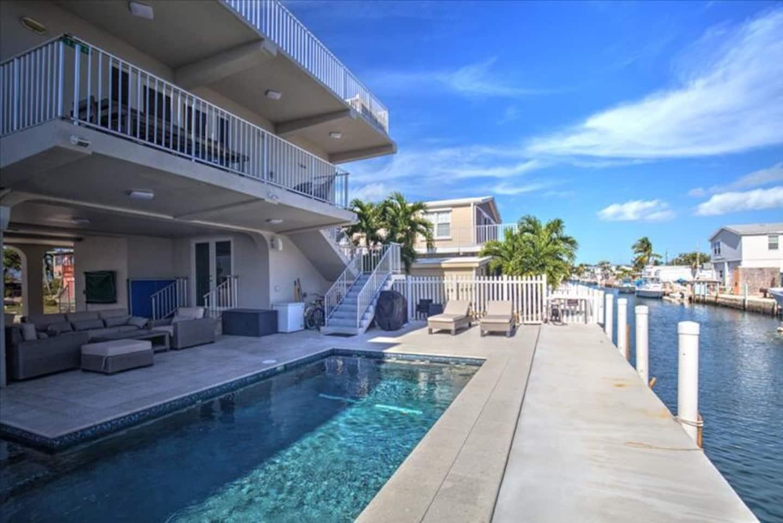 Modern Marathon Oceanfront Home