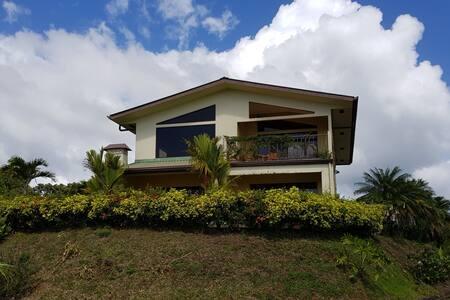 Villa Lago Arenal Lake and Mountain home