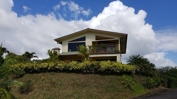 Villa Lago Arenal Lake and Mountain home