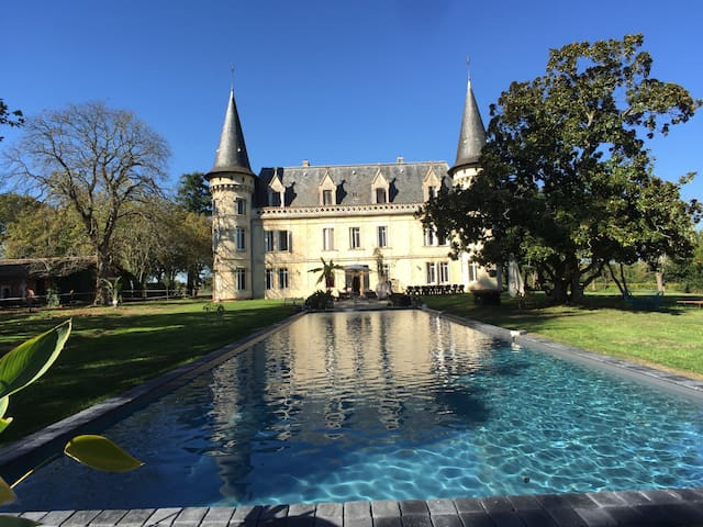 CHATEAU BORDEAUX & VIGNOBLE ( castle house )