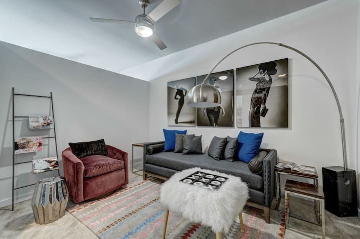 Live + Work + Stay + Easy | 1BR in Bixby