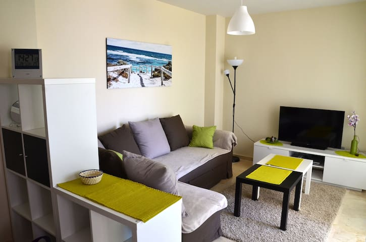 New&light, Wi-Fi, private parking, pool, aircondit - Benidorm - Apartment