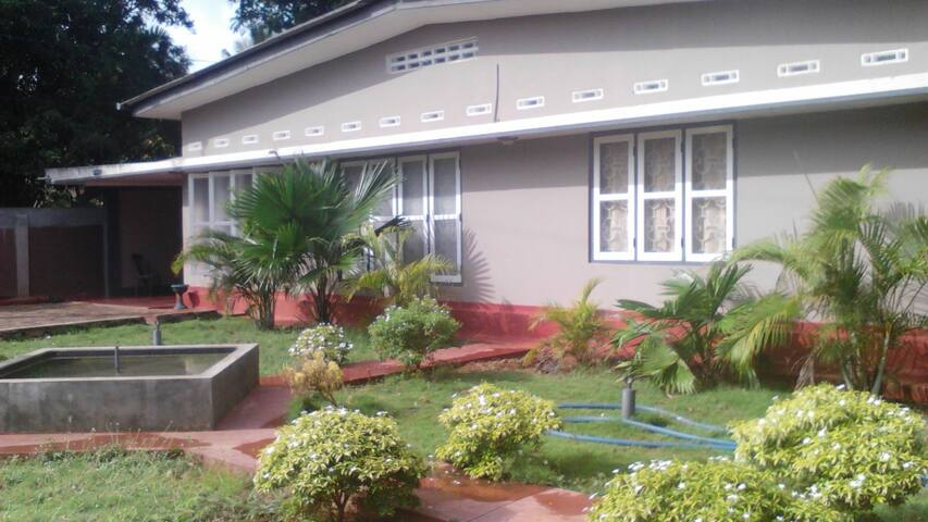 Holiday home or rooms for rental in Jaffna - Jaffna - Дом