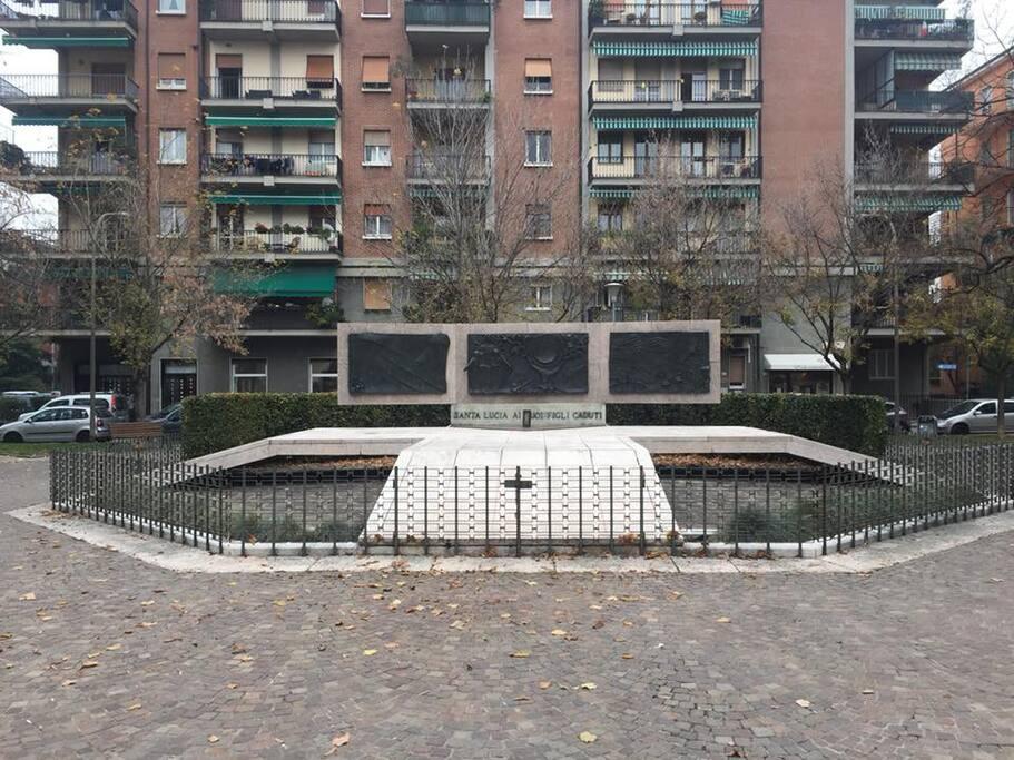 piazza dei caduti a Santa Lucia