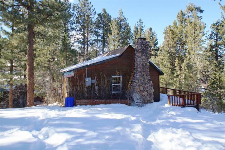 Ski Bunny Lodge-1 FREE Ski/Board Rental!