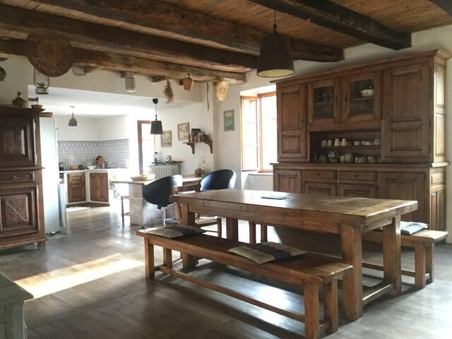 Maison de meunier dans cadre bucolique