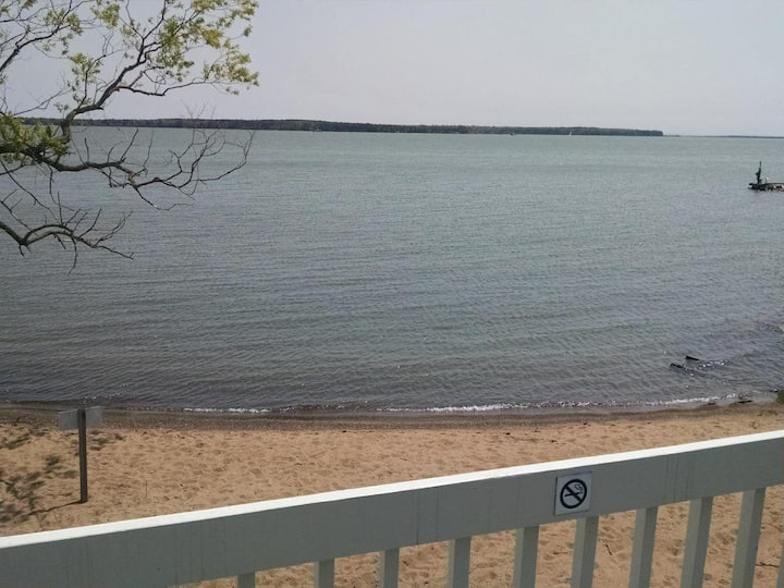 #201 Spectacular Lake Side Location