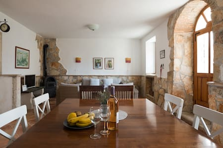 Old town stone house 80 m from the sea