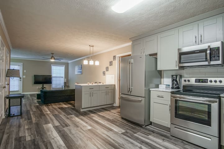 Top Boutique, Modern 2BR 2BA in Conyers
