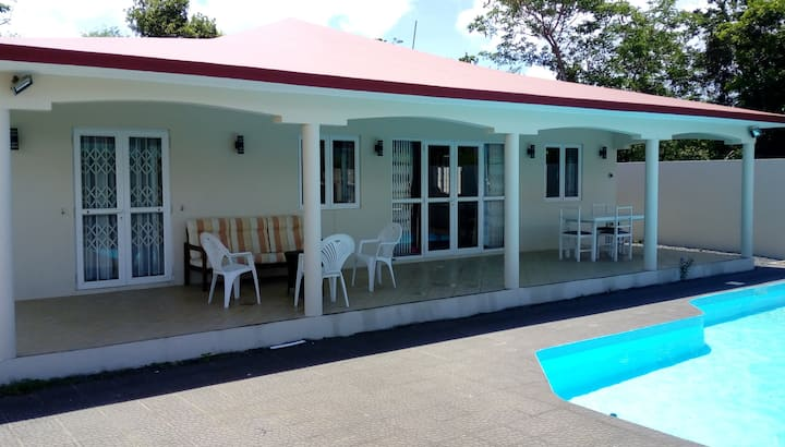 Villa de 3 chambres avec piscine/wifi