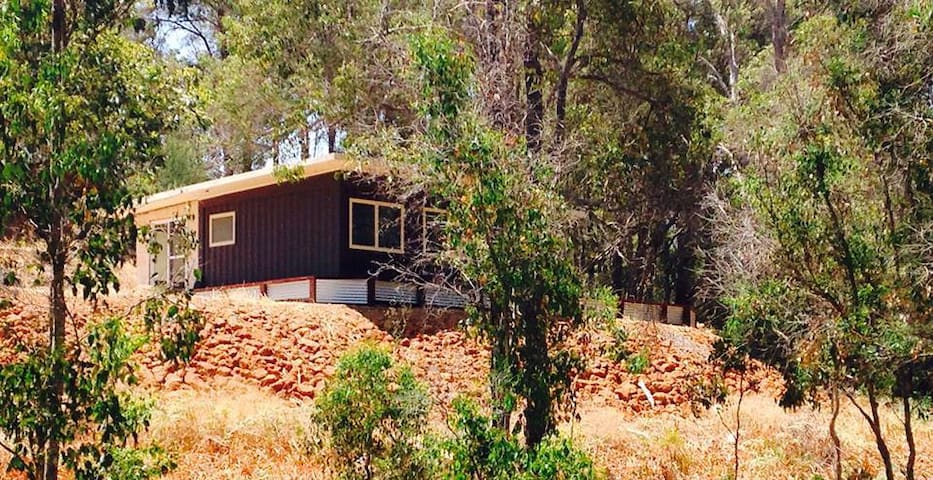 Dry Brook Container House, Nannup - Nannup - Casa