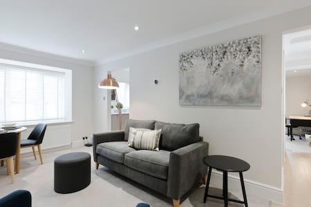 Superior refurbished 1 bed luxury Bray apt. - Bray, Berkshire  - Apartment