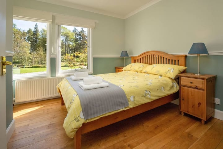 Double Room in Large House, includes Breakfast