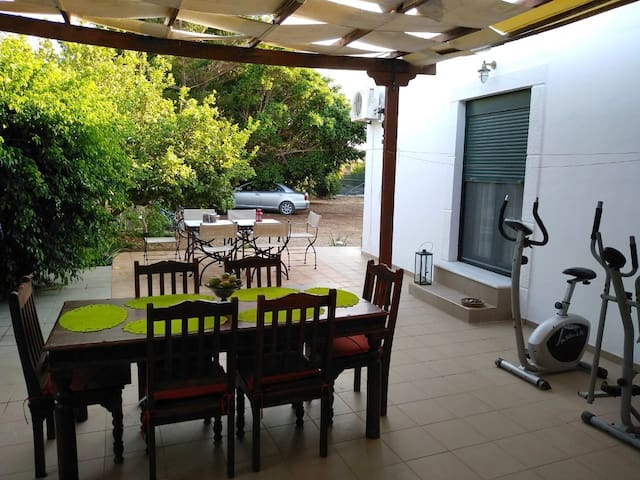 Holiday home Sea Breeze with huge garden